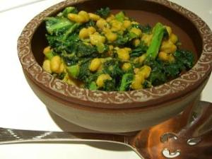 Curried White Beans and Kale