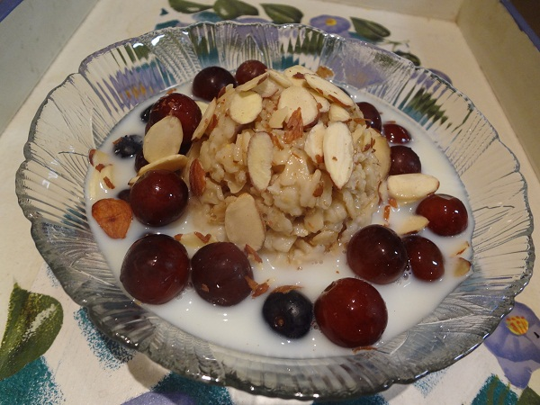 Chilled Maple Oats with Slivered Almonds and Fruit Bursts